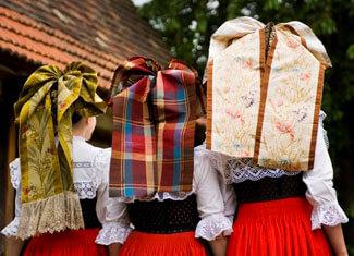 coiffes alsaciennes de jeunes filles catholiques