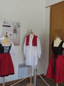 ElsassRock-Rita-TATAI-Exposition-Tenues-Alsace