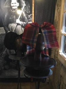 Coiffes alsaciennes -Coiffe à noeud alsacienne en tissu écossais