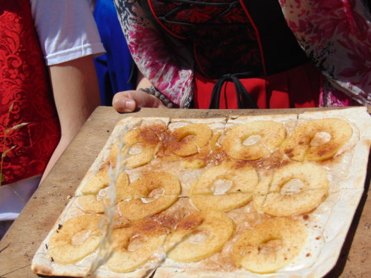 Tarte flambée pommes et canelle Alsacefanday 2018 Geht's In CP karim TATAÏ
