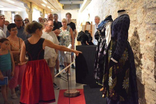 exposition Tenues d'Alsace, visite guidée Bouxwiller
