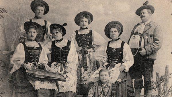 costume traditionnel bavarois, première moitié du XXème siècle